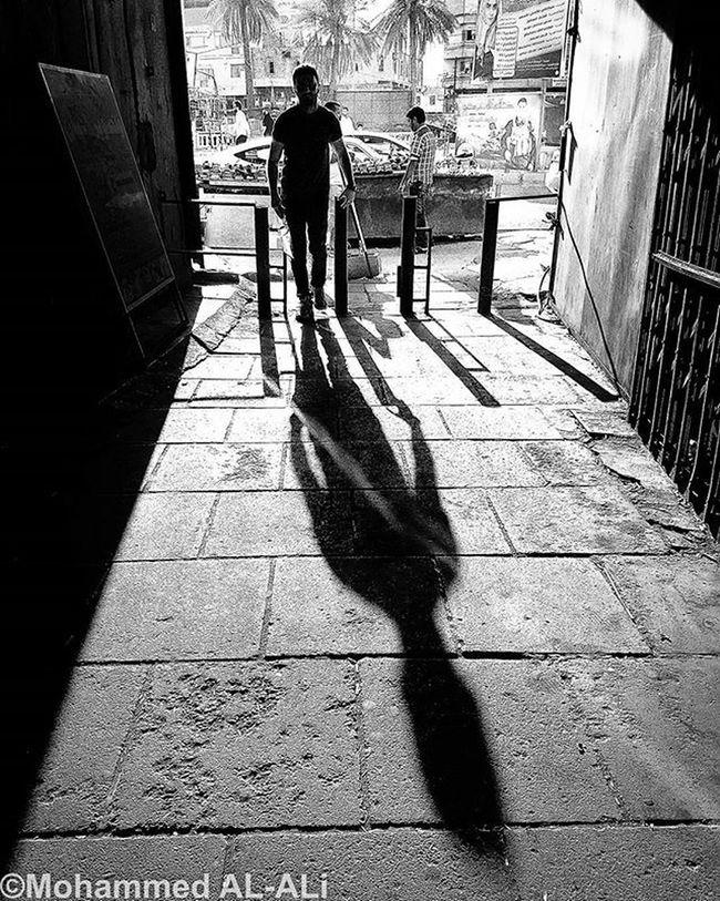 Samsung Galaxy S7 Galaxys7 Bnw Blackandwhite Monochrome Shadow Light Basrah Iraq Man Tunnle