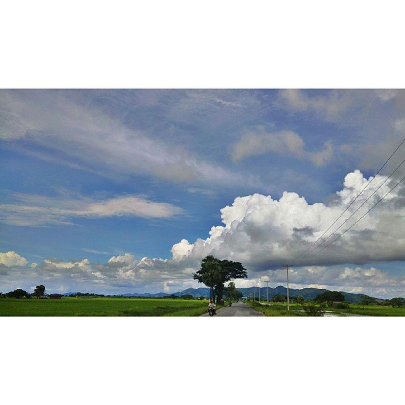 ခရီးသြားမိုးတိမ္ Jipsy Clouds Cloud Sky instatravel travelphotography travelgram myanmar igersmyanmar roadtrip