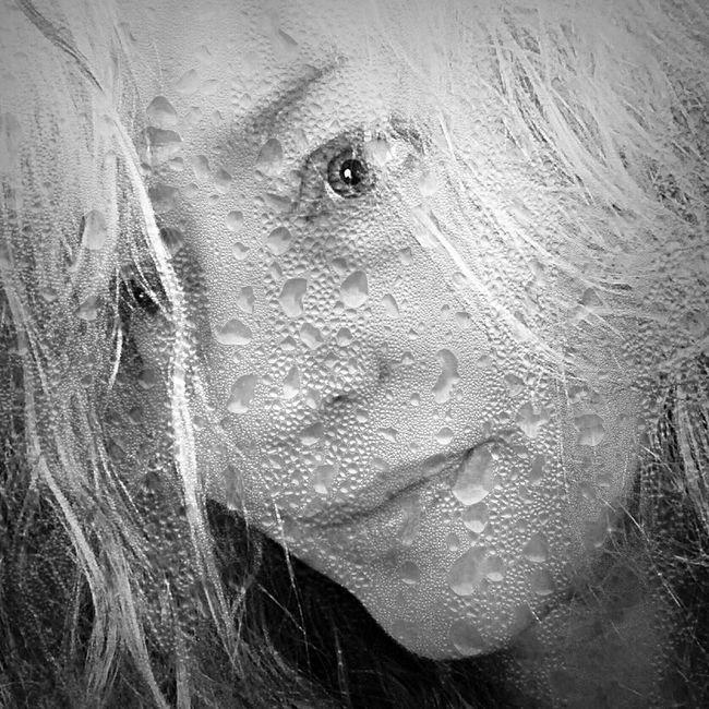 Rainy day Selfie Selfportrait Black & White Blackandwhite