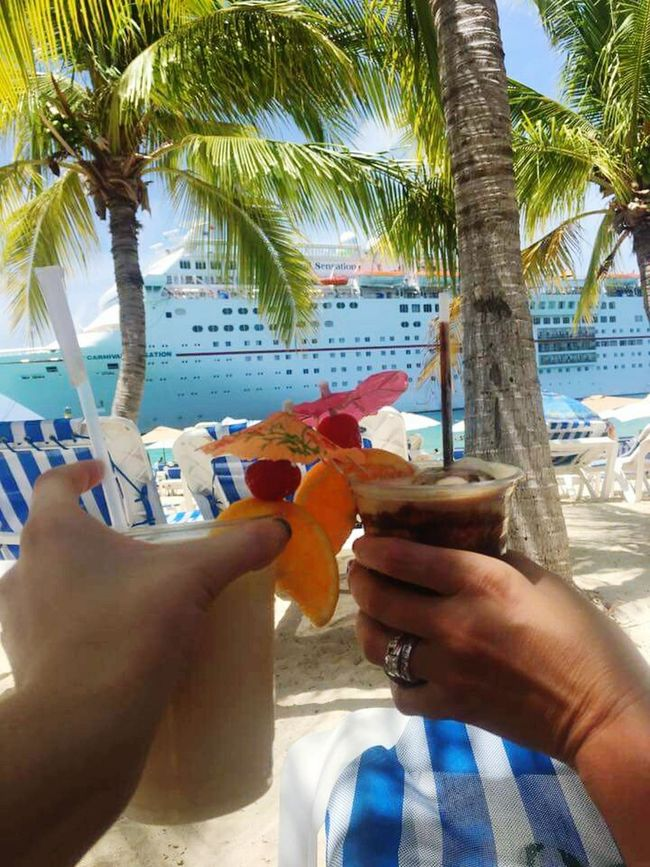 Palm Tree Tree Holding Food And Drink Coconut Outdoors Freshness Young Adult Growth Day Sky Family Time Family Matters Family Fun Family Trip Family Vacation Family Is Everything Familymatters Drink Up Drinkswithaview