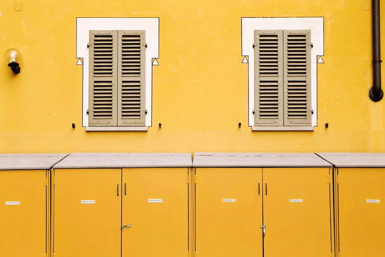 Beautifully Organized With You Torino Getting Inspired Yellow Building Exterior Architecture Window Built Structure City Canon Eye4photography  EyeEm Gallery No People EyeEm Simplicity Simmetry Outdoors Minimalism Minimal