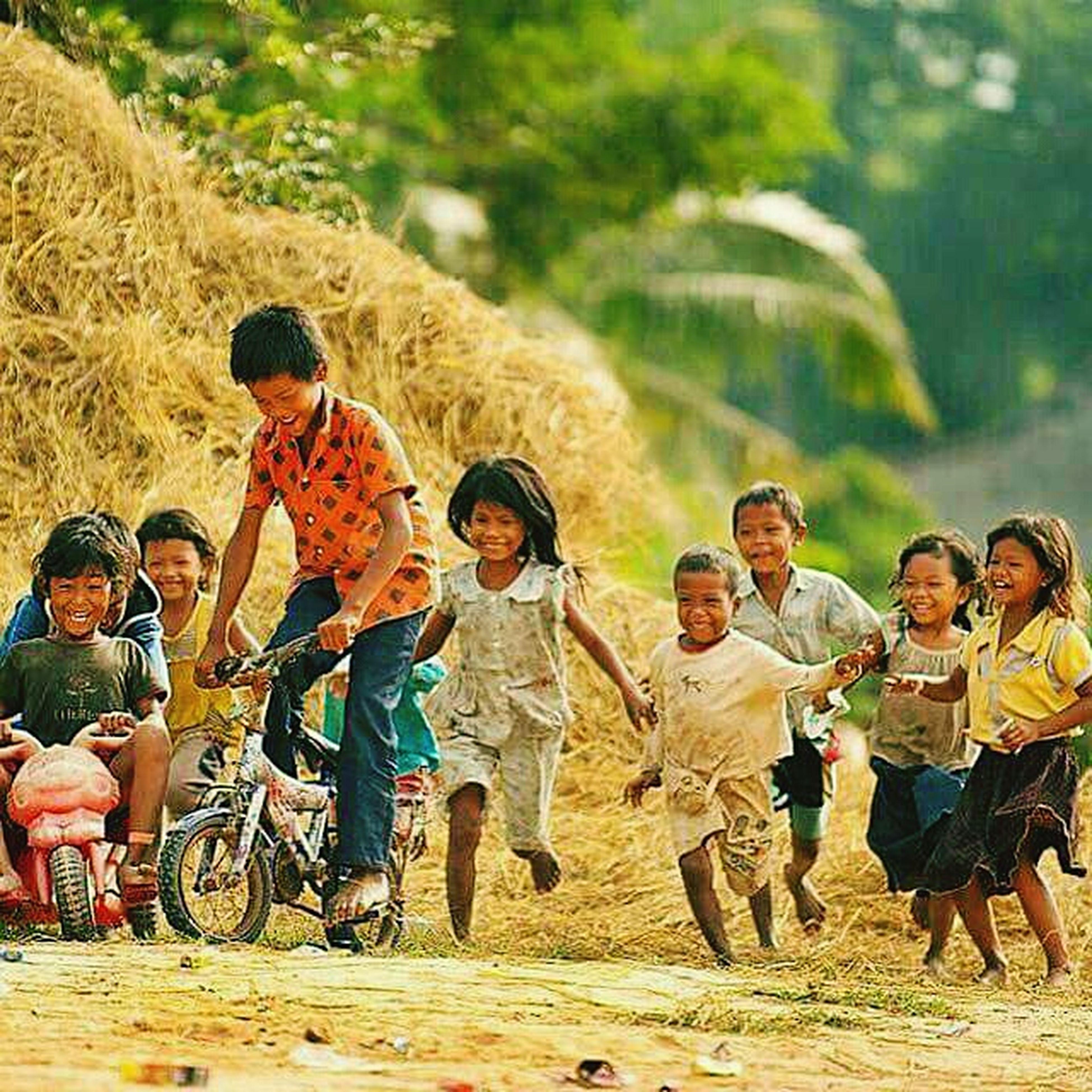 A World Where Children Laugh .. çocukların Güldüğü Bir Dünya