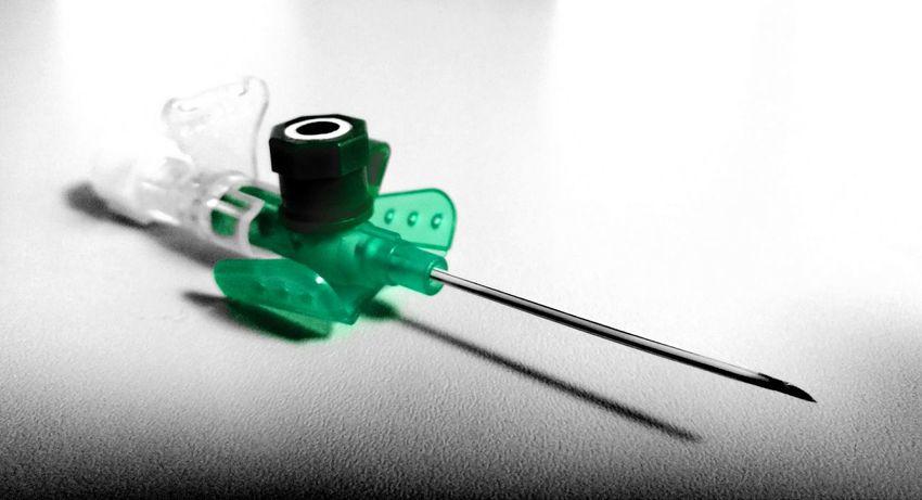 Green Color No People Close-up Indoors  Day Hospital Eyeemgermany Sterile Needle Healing Medicine Medical Bbraun Braun