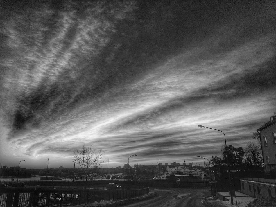 Bnw_friday_eyeemchallenge Bnw_sunset Bnw_sunsets Northern Lights Shades Of Grey Monochrome Light And Shadow