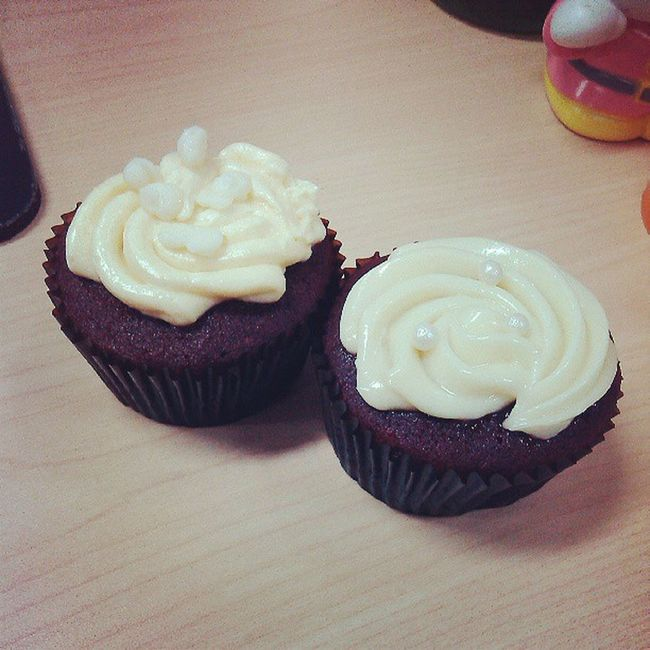 wow! cupcakes on my station! Happy Cupcake Food Is 💕
