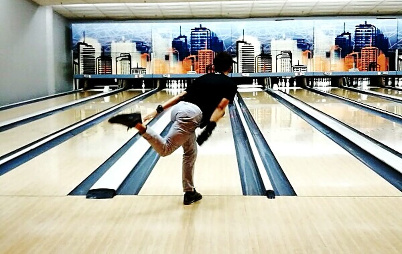 Me... Full Length Child Real People Railing One Person People Indoors  Business Finance And Industry Men Adult Day Bowling Alley Bowling Sports Sports Photography P9PlusPhotography P9plus