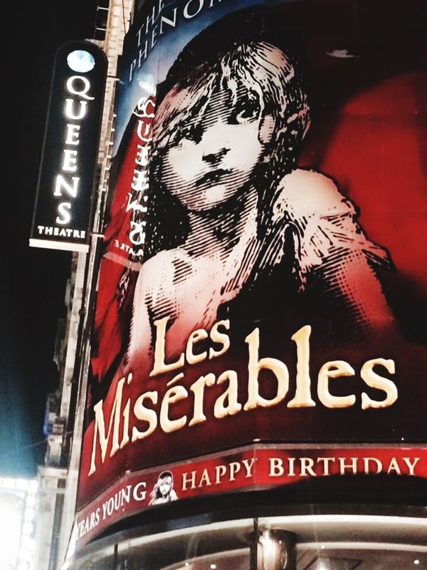 Queen's Theatre West End Les Misérables London Musical Theatre Queens Theatre Nightphotography Lights