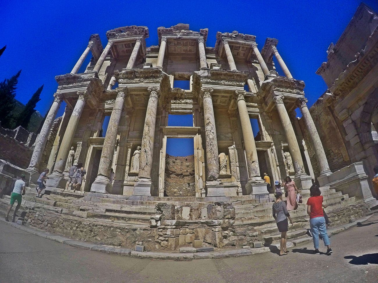 Efes Ephesus Turkey Visitturkey Travel Shooting Library Library Of Celsus Celsus Historical Building Historical Historic Historical Monuments Historical Place Historic City Eyeem Ephesus - Turkey Turkeystagram Turkeyphotooftheday Goprohero4 Gopro Shots Goprooftheday GoPrography