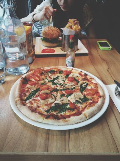 Lunch ; Pizza , Hanging Out , Hello World .