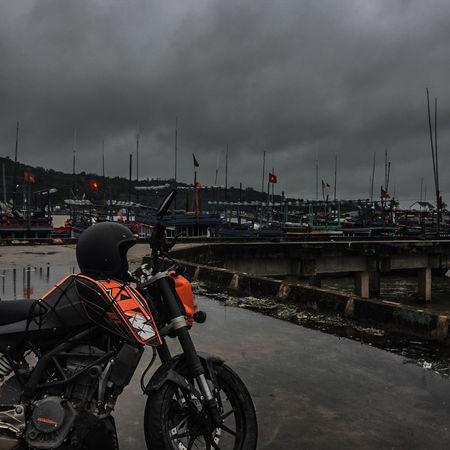 . Who need speed ? Bikers Harbor Helmet Land Vehicles Motor Motorcross  Motorcycle Racer Racing Racing Bicycle Roadtrip Sportbike Transportation Vehicle
