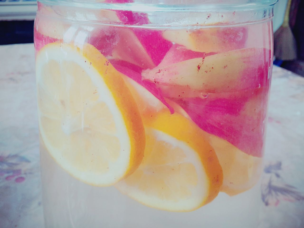 food and drink, drink, slice, drinking glass, refreshment, freshness, close-up, no people, fruit, lemonade, indoors, healthy eating, lime, lemon soda, cold temperature, food, blended drink, day, tonic water, ready-to-eat