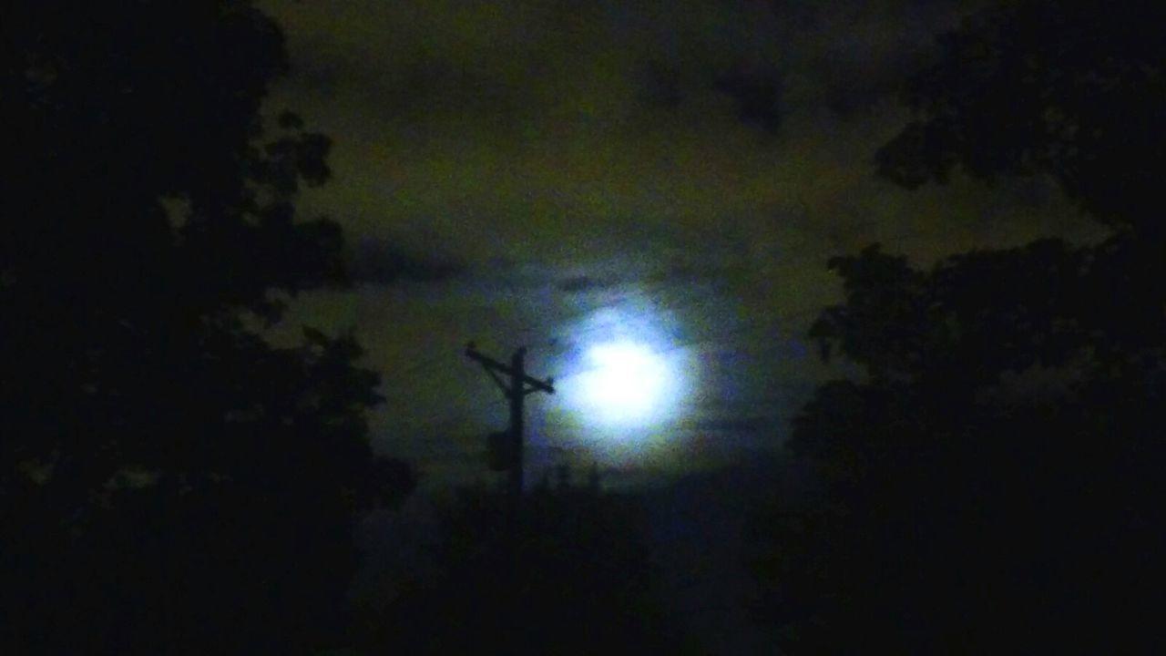 Cellphonepics 2am Pictures.  Federalwaywashington Moonlight Mystreet  Lookupitsbeautiful Crazysky