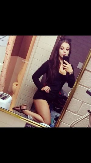Young Women Young Adult Girl Cute Selfie ✌ Body Curves