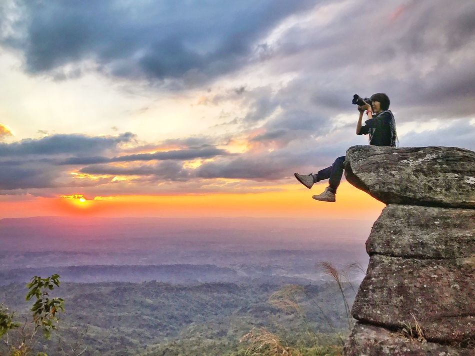 EyeEmNewHere Photography Themes Photographing Sunset Cloud - Sky Camera - Photographic Equipment Sky Outdoors Full Length Nature Photographer One Person Leisure Activity Scenics Vacations Beauty In Nature Day People Camera Thailand Tourism Travel Take Photos Adventure Freedom Miles Away Uniqueness