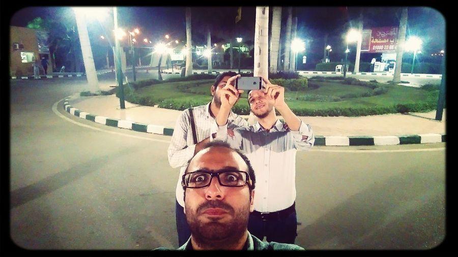 Authentic Moments Freinds Selfieofaselfie
