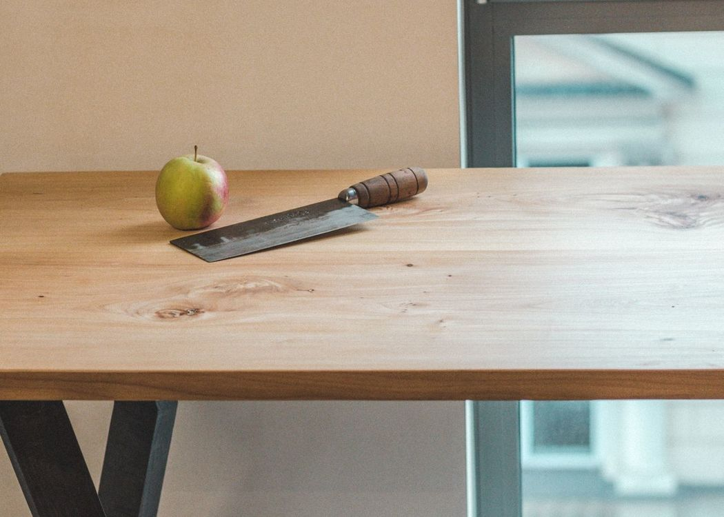 Indoors  Table No People Close-up Day Apple Butcher Knife Modern Furniture Modern Architecture Wood - Material Furniture Design Muebles Interior Design Decoration Wood Furniture Details Furnitures Tablet Marketplace Focus On Foreground Interior Views Architecture Wood Table Streetphotography