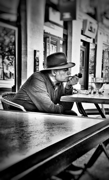 One Man Only Only Men One Person People Mature Adult Mature Men Real People Concentration France EyeEmBestPics EyeEm Best Shots Lifestyles Blackandwhite Tranquil Scene Bnw_collection Eye4photography  Bnw Portrait Streetphotography Streetphoto_bw Street