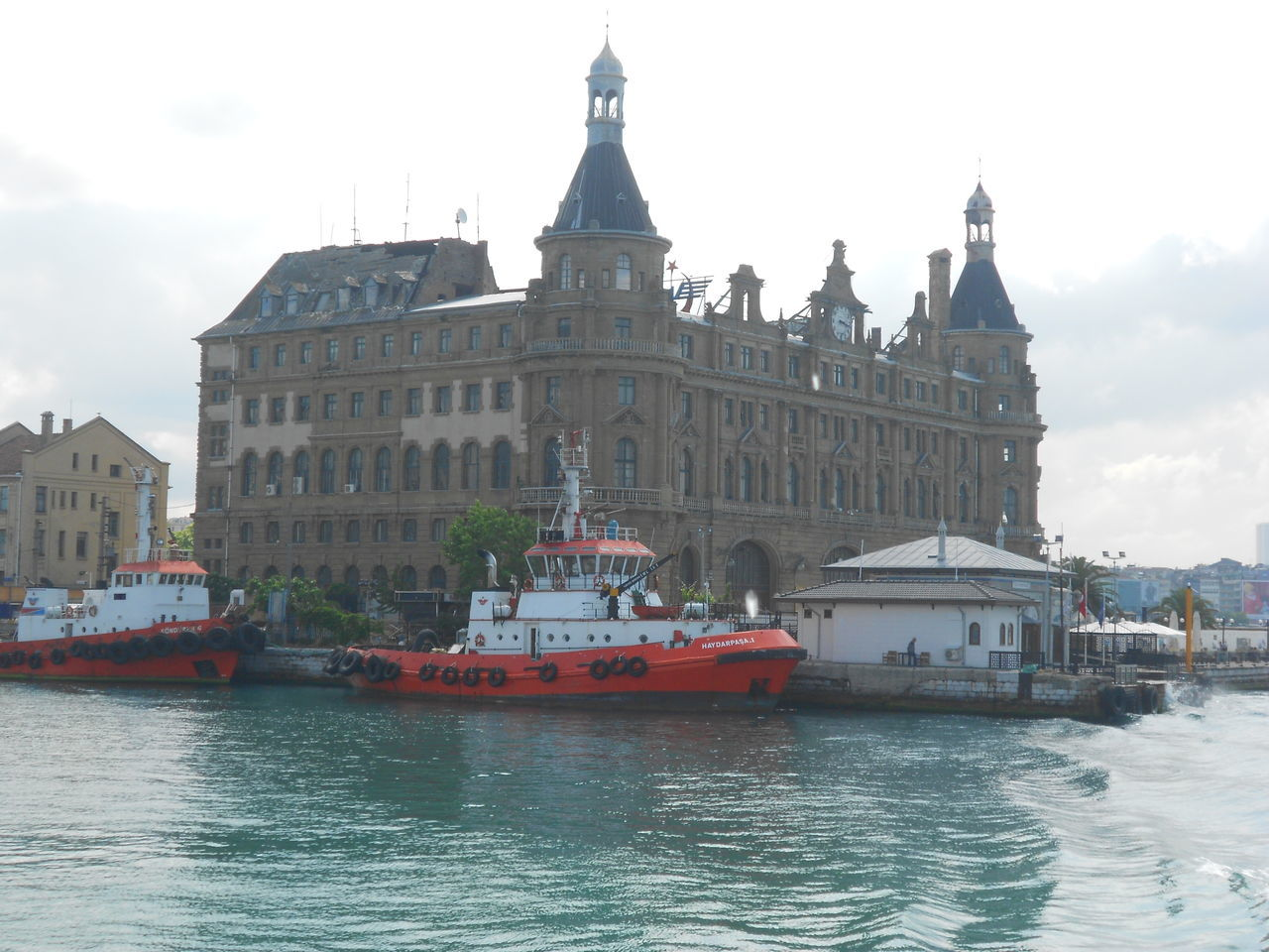 #Awesome_shots #photoedit #photowall #picoftoday #photooftheday #ipopyou #instagamous #beautiful #instagramhub #igaddict #jj_for #charmingcity #clouds  #istanbul #istanbul #turkiye #old #oldbuildings #sea #ship #sky #Turkey Haydarpaşa Garı