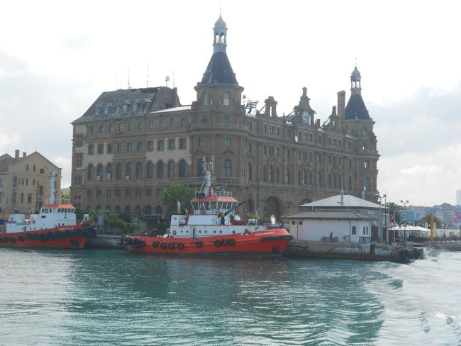 #Awesome_shots #photoedit #photowall #picoftoday #photooftheday #ipopyou #instagamous #beautiful #instagramhub #igaddict #jj_for #charmingcity #clouds  #istanbul #istanbul #turkiye #old #oldbuildings #sea #ship #sky #Turkey Haydarpaşa Garı