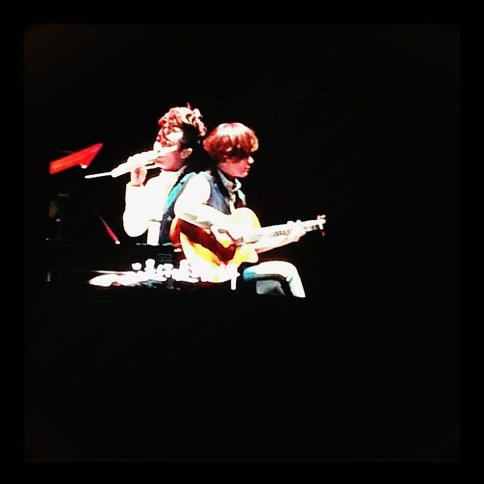 最喜欢这青馨组合了,吉他弹唱迟到千年~迟到千年 苏打绿 吴青峰 馨仪 空气中的视听与幻觉