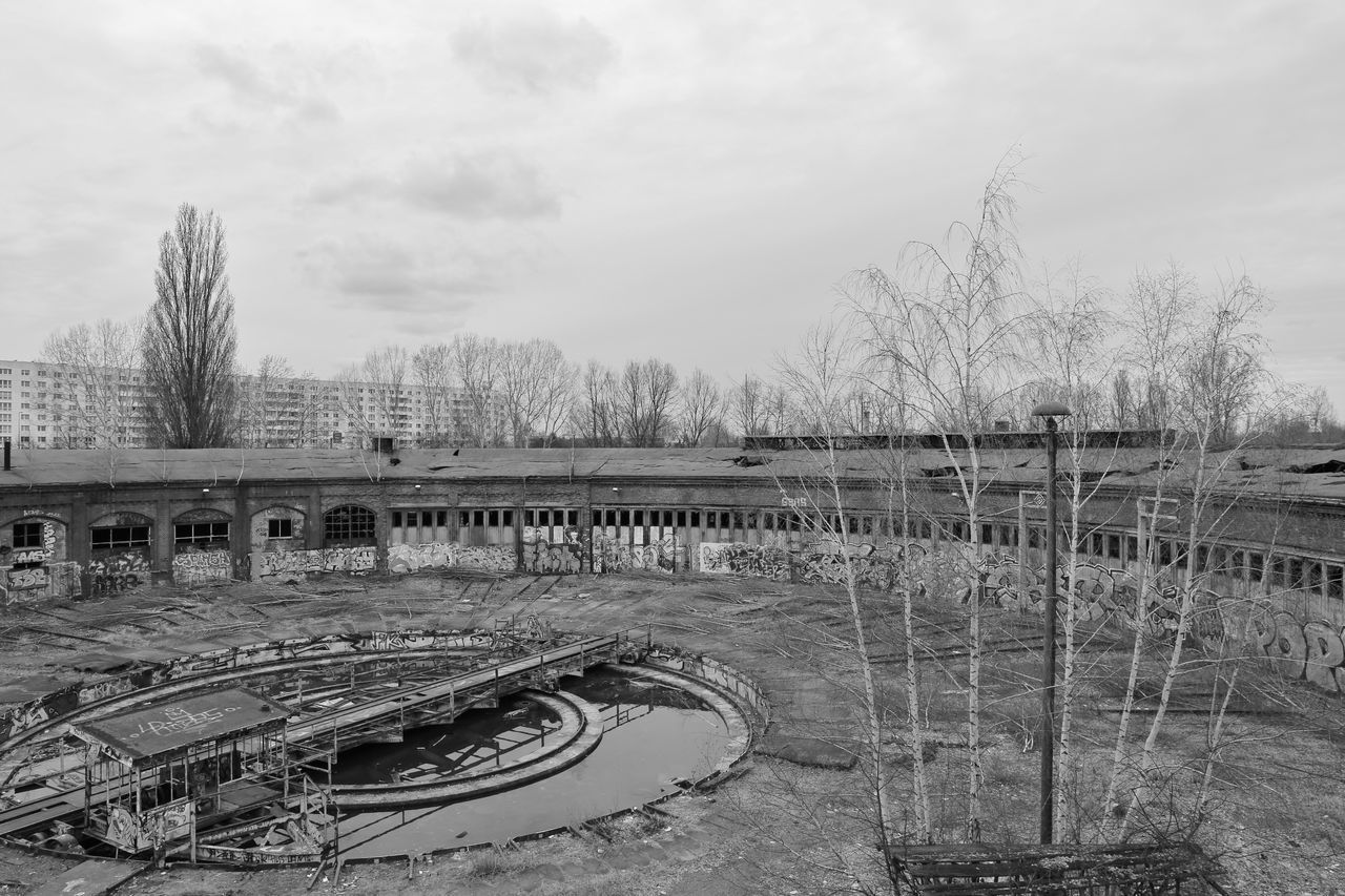 Berlin Bridge - Man Made Structure Day No People Old Old Buildings Outdoors Pankow Pankow-heinersdorf S/w Tree Trzoska