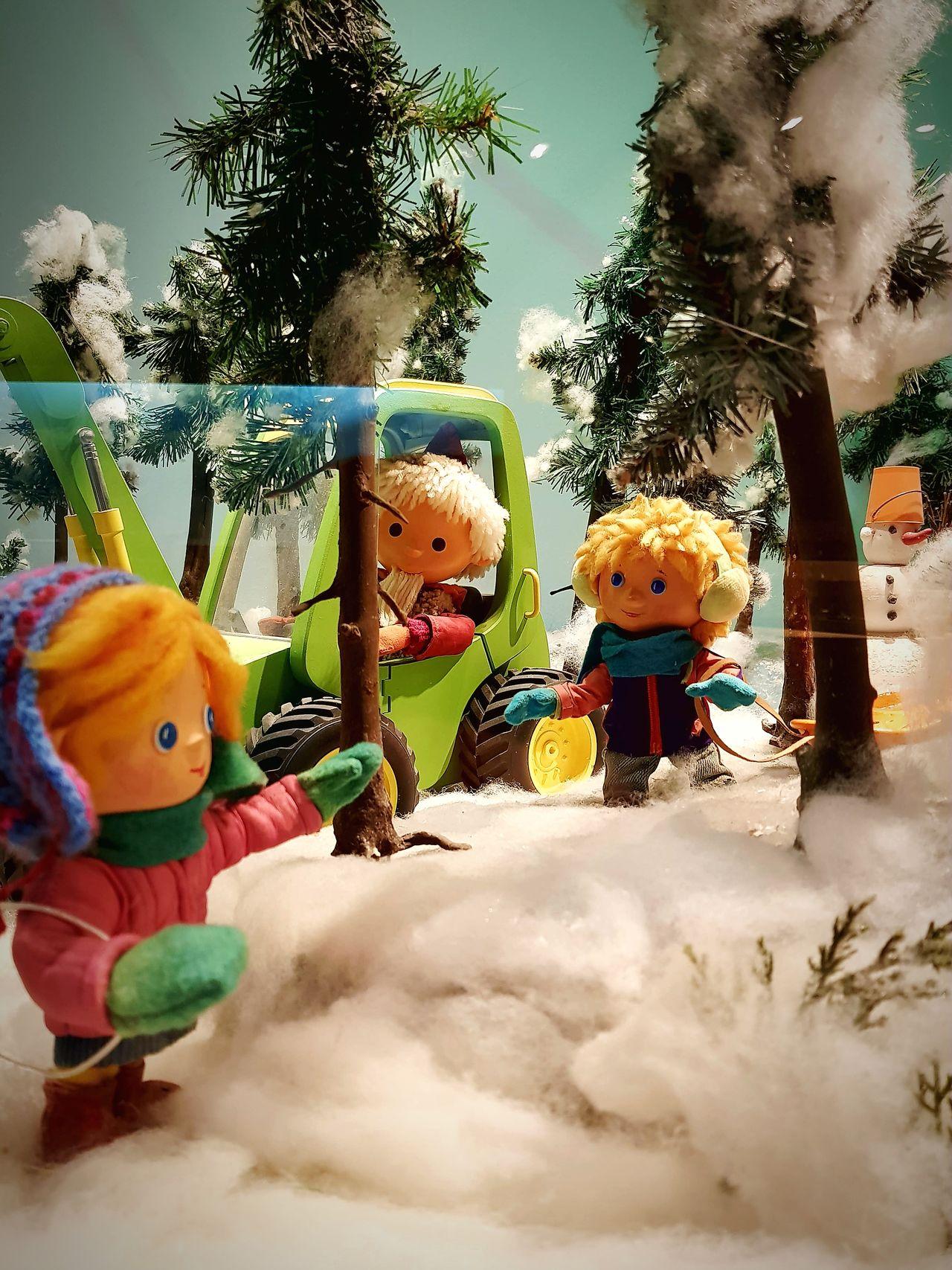 Childhood Day Tree Outdoors Child Multi Colored Close-up Sky People Sandman Sandmännchen Sandmen Kindermedien Kindheitserinnerungen The Secret Spaces Märchen Traum