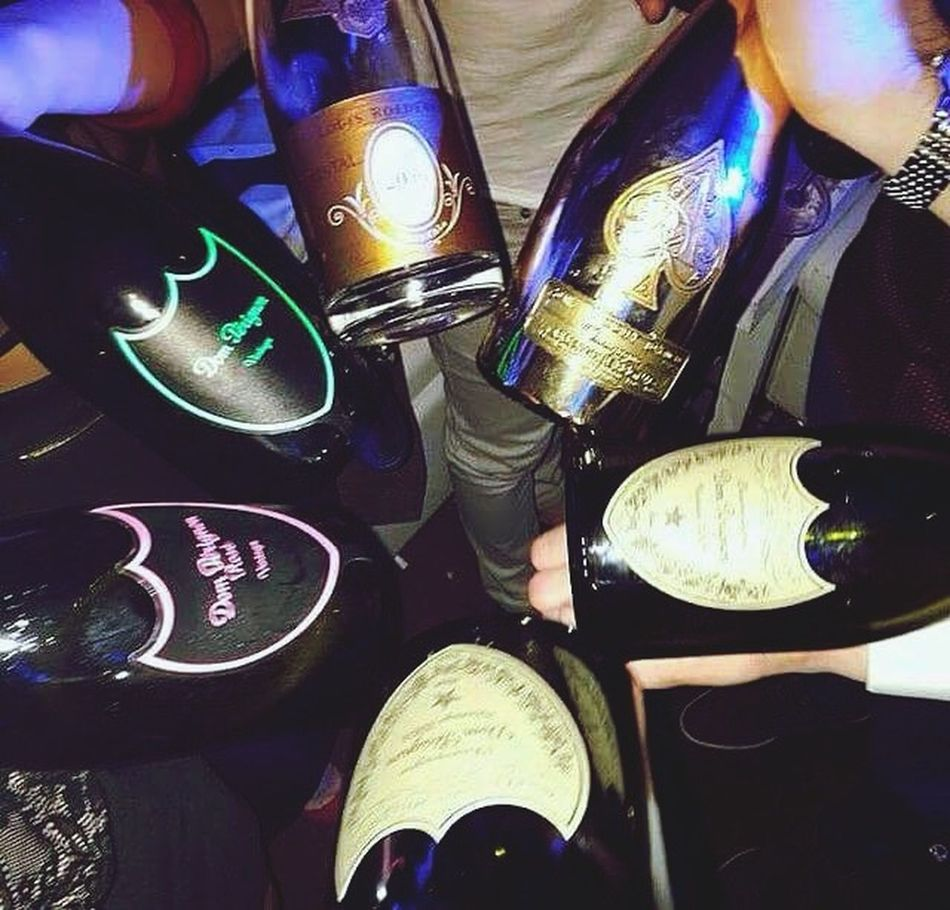 Party Time! It's time to be ESOSI 😋🇮🇹 follow on Instagram www.instagram.com DOMPERIGNON Cristal ArmandDeBrignac Aceofspades Champagne Wine Party Party Time Monaco
