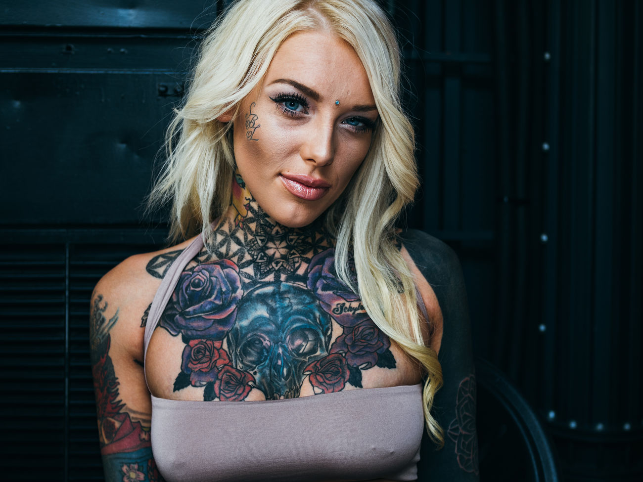 This is Lauren Brock – another stunning lady I met on London Tattoo Convention. Olympus Pen-f Maxgor London Rawstreets Maxgor.com Photooftheday Peope LTC 50mm Portrait Tattoo Prime Lens Olympuspenef London Tattoo London Tattoo Convention The Portraitist - 2017 EyeEm Awards