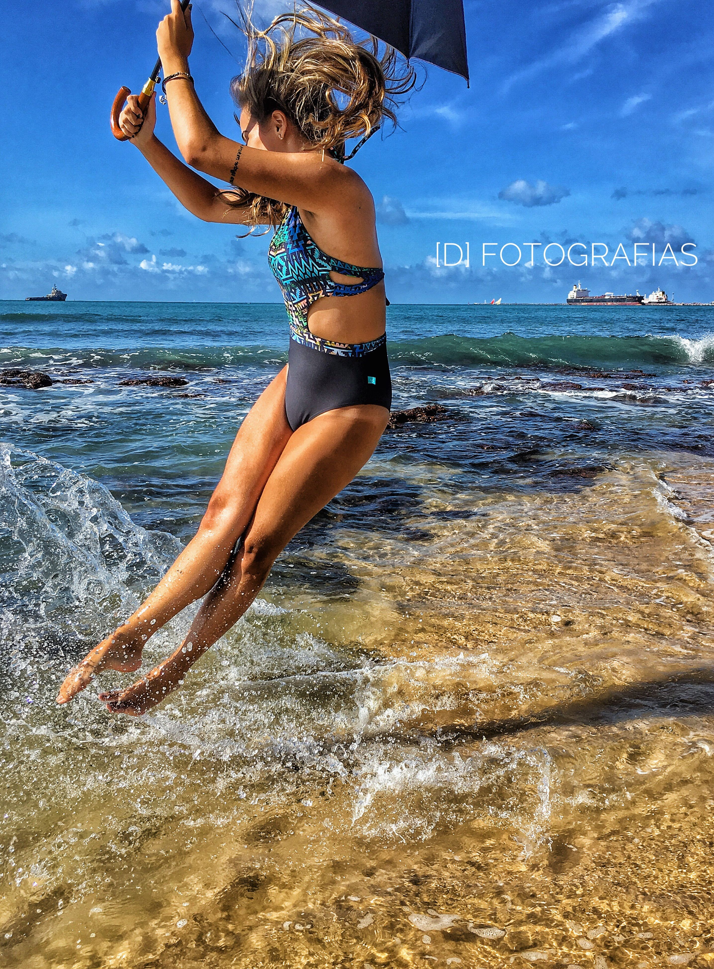 sea, real people, water, one person, lifestyles, beach, leisure activity, full length, sky, nature, bikini, horizon over water, beauty in nature, day, outdoors, young women, beautiful woman, young adult, scenics