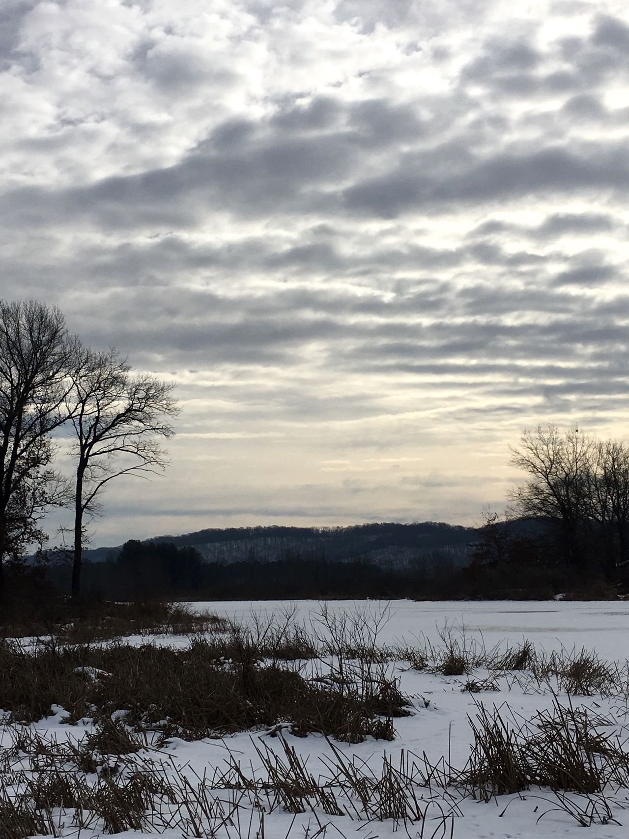 Ice Clouds And Sky Clouds Wisconsin Winter Snow ❄ Snow Lake