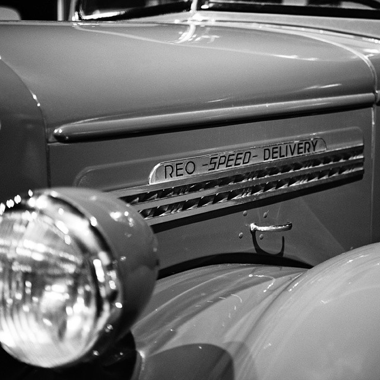 Speed Delivery Carporn Classiccars Reospeedwagon Automotive cars autos canon6d canonphotography trucks photoofday photographer photooftoday monochrome blackandwhite mono