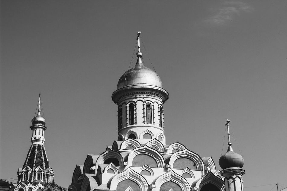 27 апреля. Устала. Architecture Religion Low Angle View Moscow Place Of Worship Building Exterior Built Structure Dome Outdoors Sky Travel Destinations Day No People Clear Sky