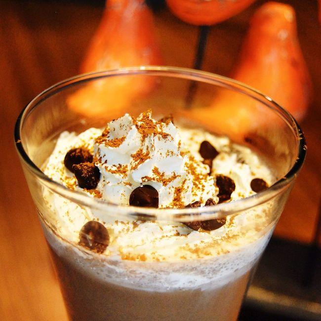 Classic chocolate and chip coffee! Yummy! Coffee Coffee Time Coffee ☕ Enjoying Life Jakarta Cafe Taking Photos Drinks