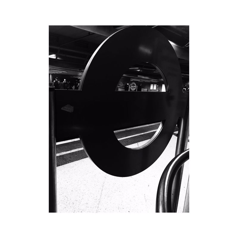 London London Lifestyle Londonunderground Londonundergroundsign Westlondon Tube Blackandwhite Perspective Winter