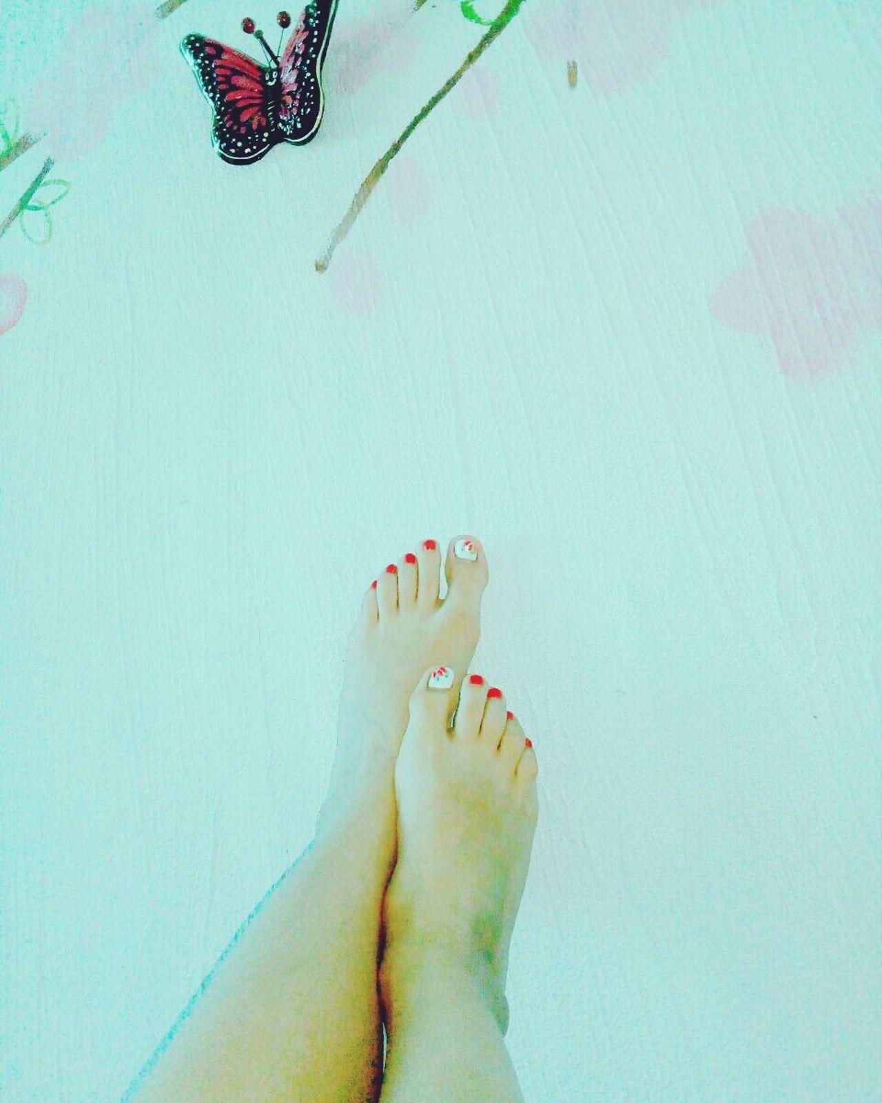 Loveyou♥ Gords Mariposas Feetlove Feets Relaxing One Woman Only Human Foot Nail Polish Human Body Part Women Relaxation Toenail