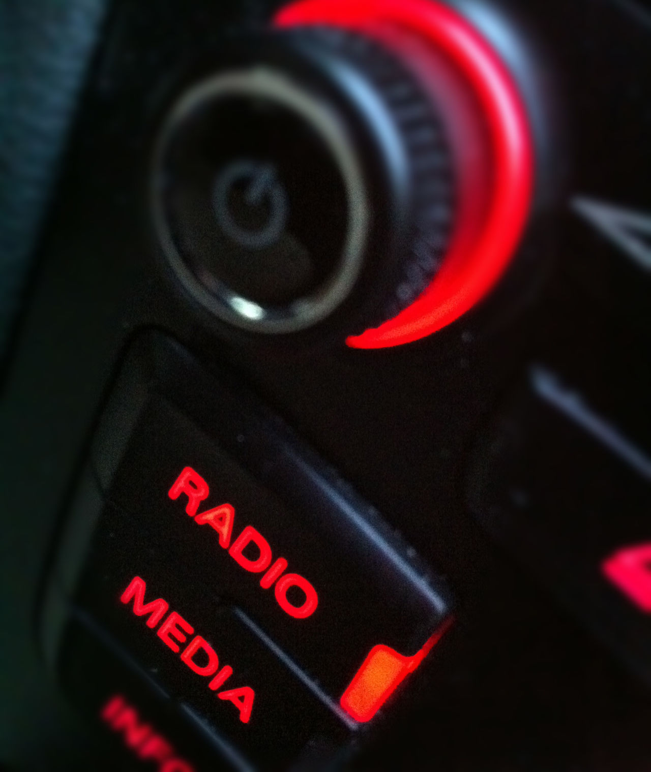 Mai senza radio Close-up Connection Detail Focus On Foreground Music Music Is My Life Push Button Radio Radio Station Red Still Life