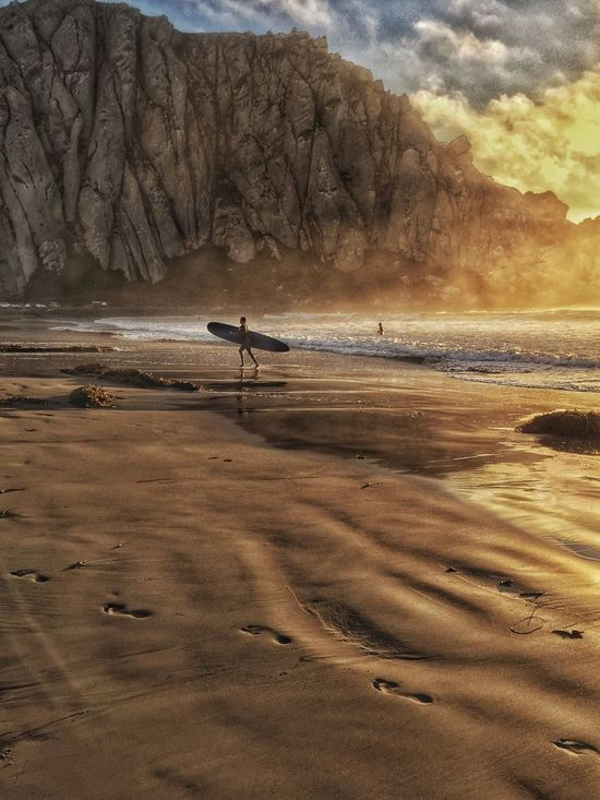 👣👣👣lead the way👣👣👣 Sunsets_captures Surfing Footprints In The Sand Morrobayrock MorroBay California Summertimeincalifornia Longboarding Surf Photography Nature_collection Beauty In Nature EyeEm Nature Lover EyeEm Best Shots Rock Live For The Story The Great Outdoors - 2017 EyeEm Awards