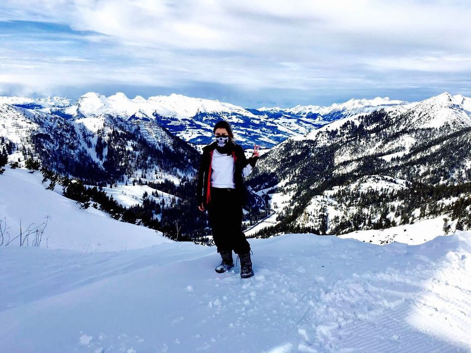 ♡♡♡Iphone 6 Mauntain Snow ❄ Snowboarding Love ❤ Winter Friends Boarding Happy Love ♥ Sky Blue Sun Smile Skeleton Body Curves  No Makeup High Eyemphotography Serbia Girl Nature One Person Lifestyles EyeEmNewHere EyeEmNewHere Welcome To Black