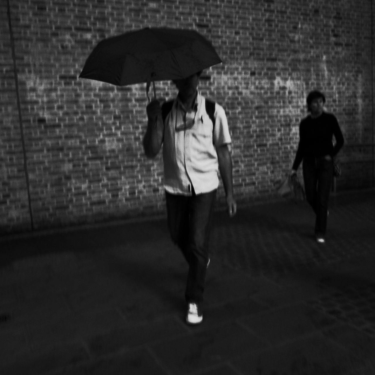 Streetphotography Streetphotography_bw Flaneur Monochrome Blackandwhite Streettogs Streetphoto_bw NEM Black&white Walking Around Ricoh Gr Blancoynegro London
