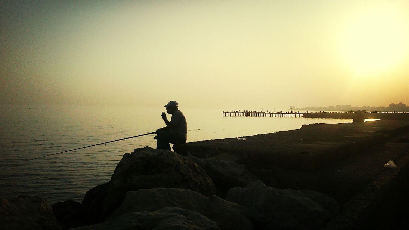yalnızlık paylaşılmaz Alone People Watching Akdeniz Smoke