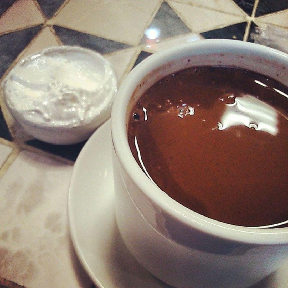 No atual cenário, partiu engordar pq todo o resto tá difícil... Chocolate Nhammm