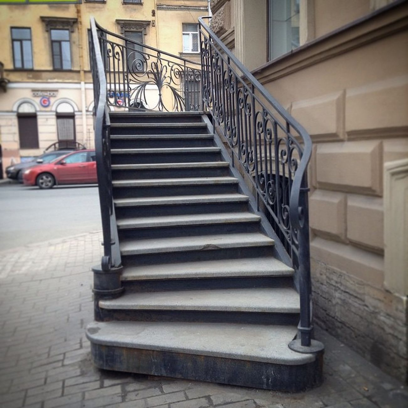 Sanpietroburgo Saintpetersburg Saintpétersbourg Petersburg City Symmetry Geometry Streetview Streetphoto Urbanexploring Urban Up Ig_snapshots Instago Ic_cities Lines Ic_architecture Nothingisordinary Urbex Stairs Ladder Staircase Oldcity Picoftheday Spbgram photo_spb