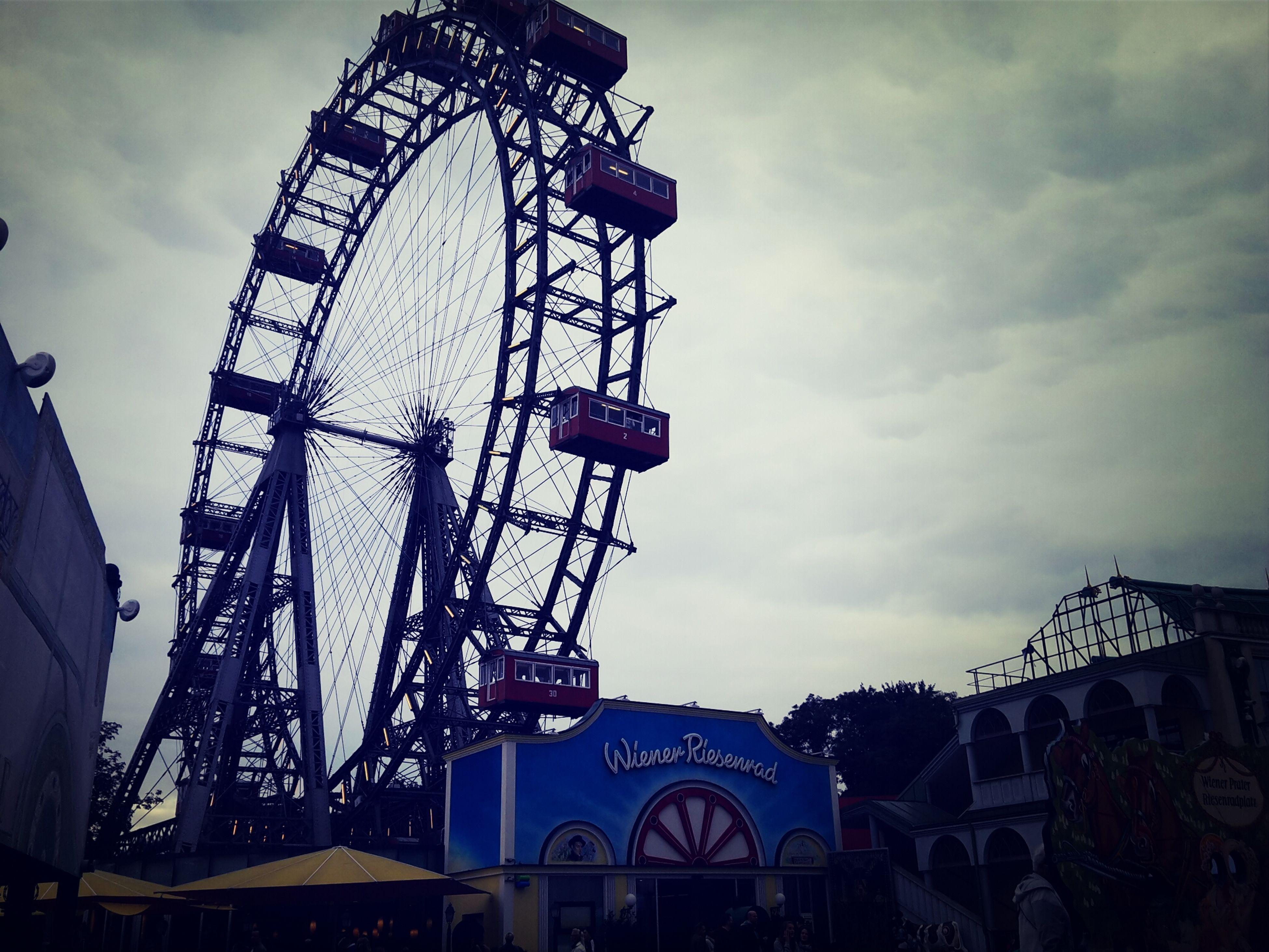 Vienna Ferris Wheel Skyline Walking Around