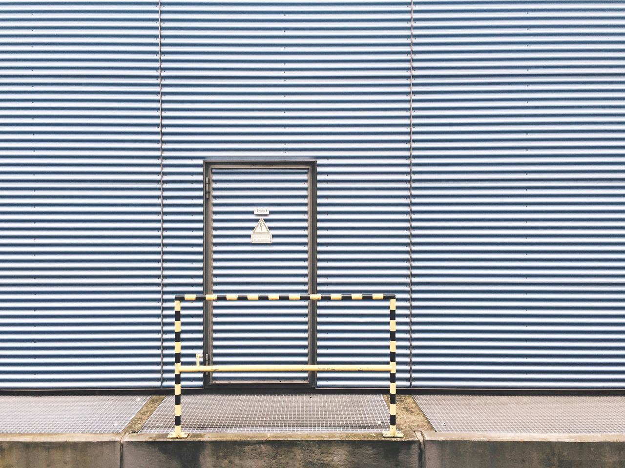 A tension. Urban Geometry Industrial Minimalism Minimalobsession The Minimals (less Edit Juxt Photography) Doors Getting Inspired