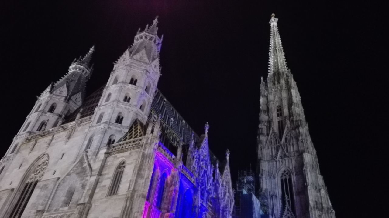 Hello World Architecture_collection Wien Vienna <3 Vienna Is Different Vienna_city Vienna Alps Vienna View  Architecture Sthephansplatz Sthephansplatz Vienna Architectural Detail Istory Arhitekture Istory Domkirche St Stephan Zu Wein