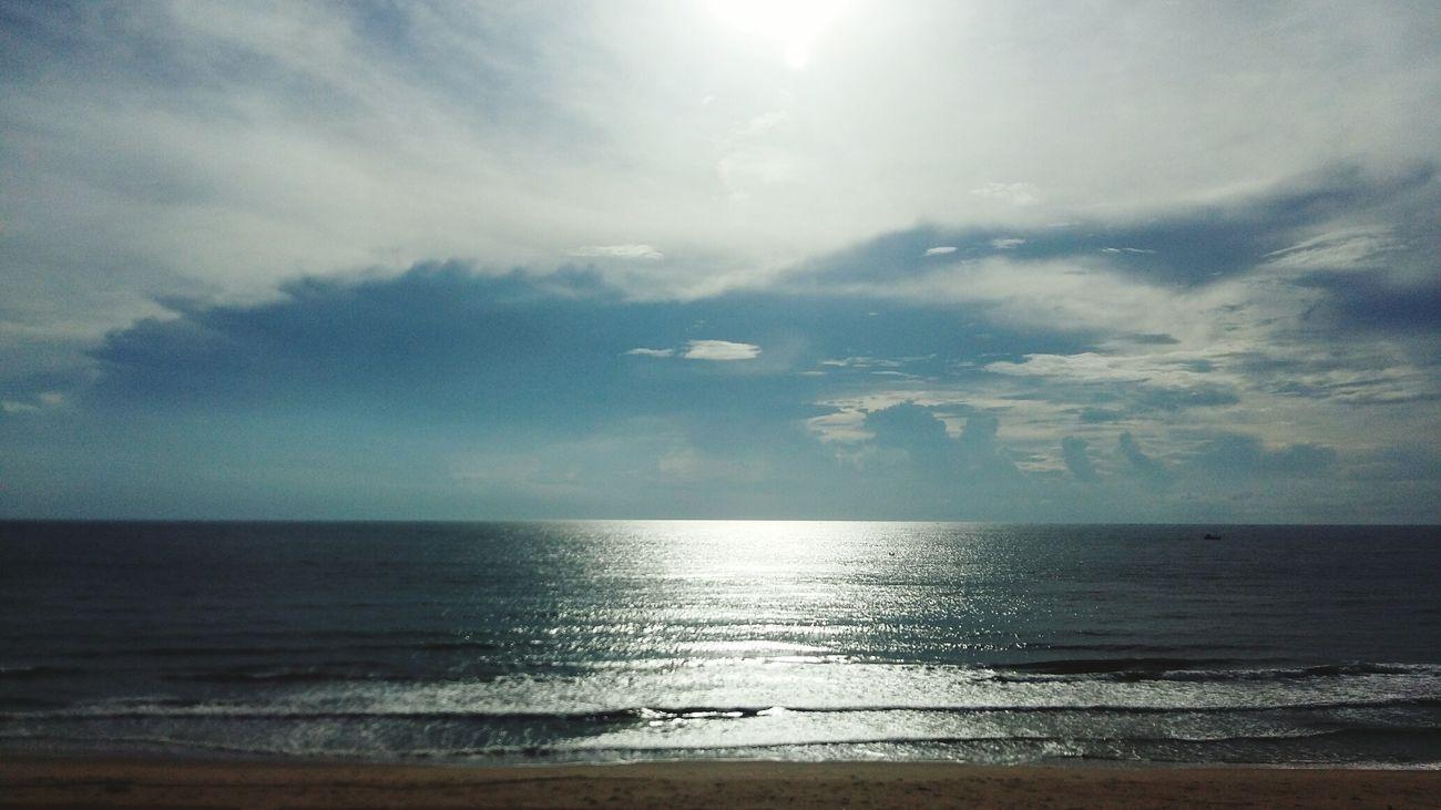 I love Beach 🌊🌊🌊 PeacefulBeach EnjoyingLife💞💞💞 Relaxing 😍😍😍 First Eyeem Photo