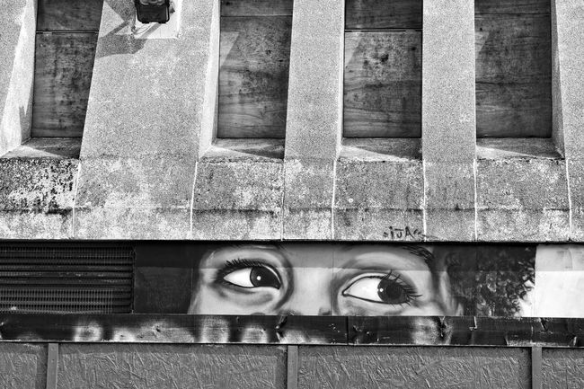 Art And Craft Blackandwhite Built Structure City Graffiti Industrial Nikon D3300 No People Norwich Peeking Taking Photos Wall - Building Feature