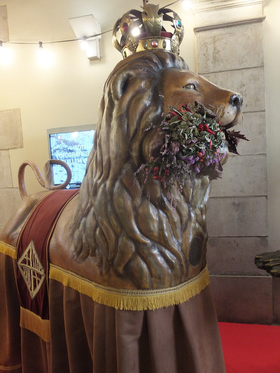indoors, statue, sculpture, no people, close-up, home showcase interior, day, mammal