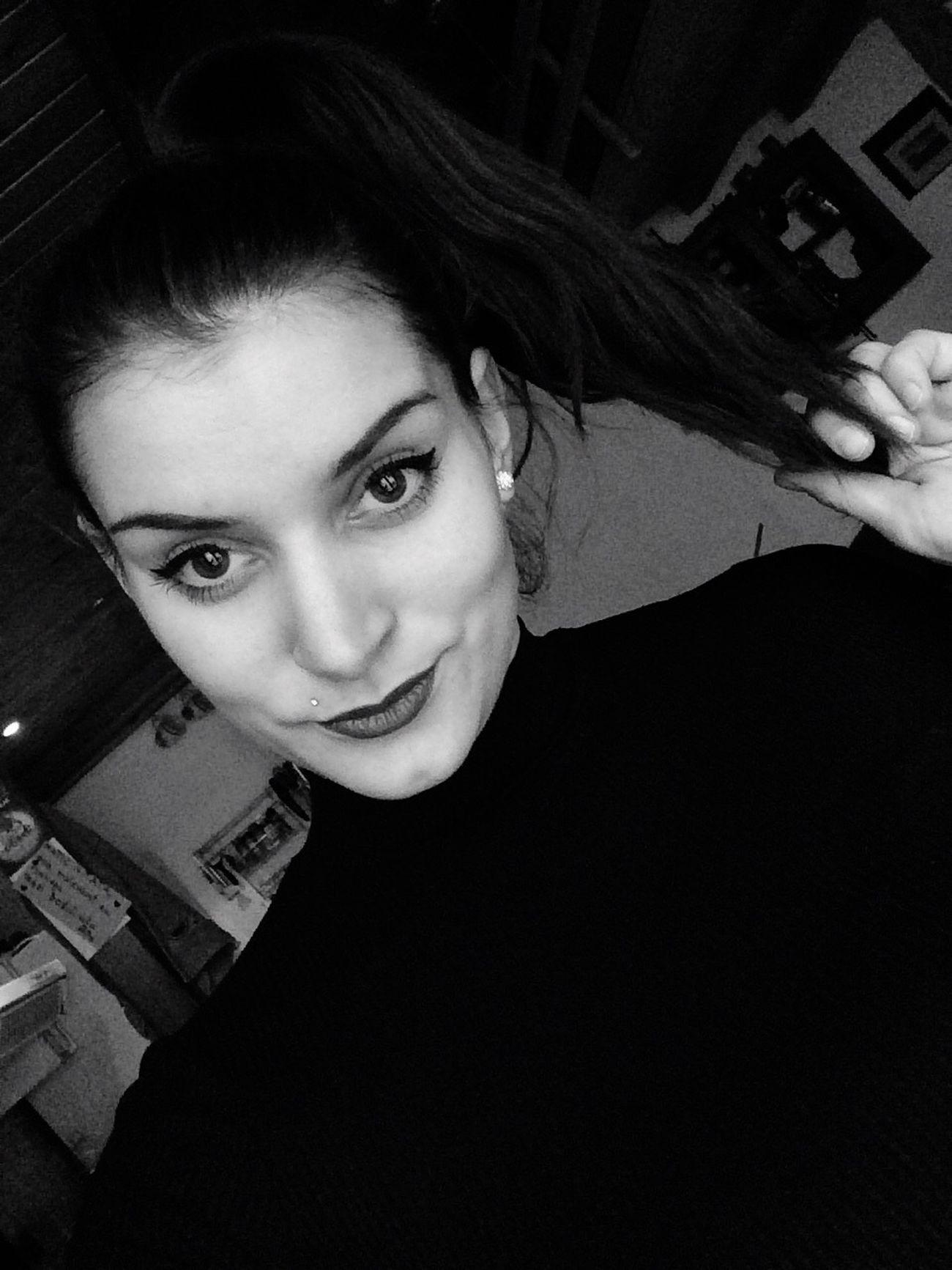 Življenje kot je bilo nekoč. Blackandwhite Selfie Onelife First Eyeem Photo