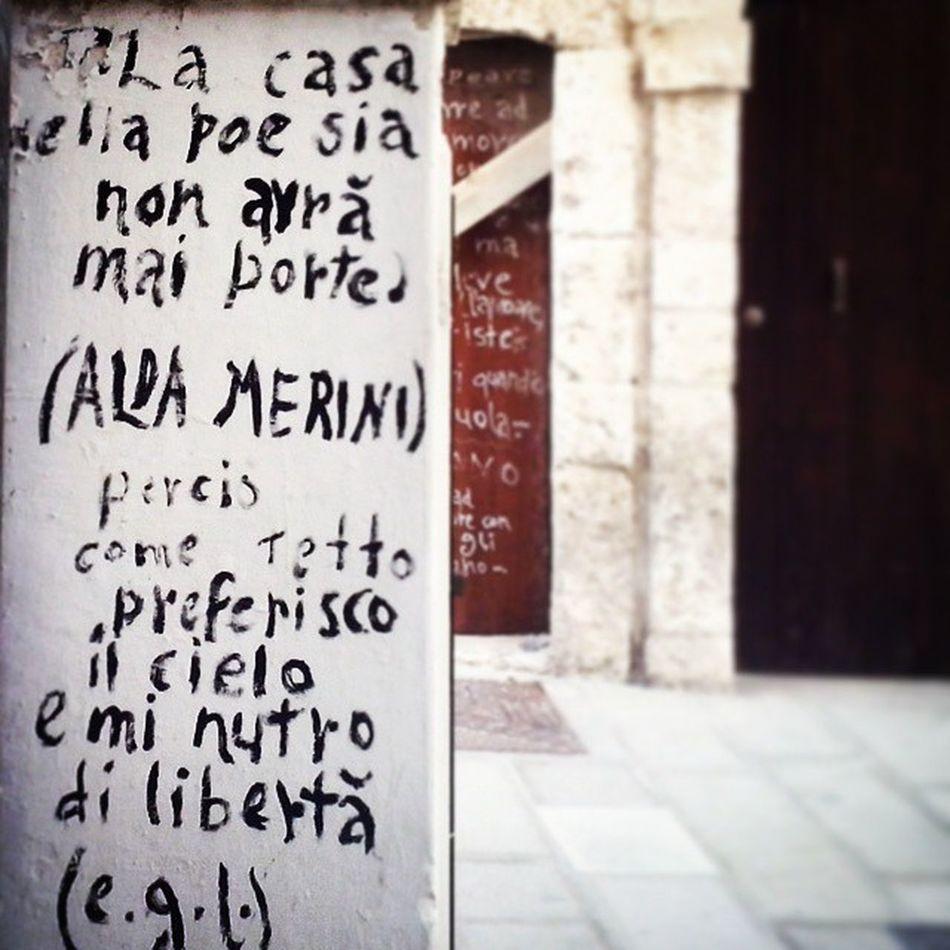 Preferiscoilcielo -Polignano- Streetphotography Suditaly Details Bari